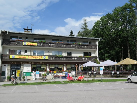 Gasthof berghof prices guesthouse reviews semmering for Boutique hotel gasthof brugghof