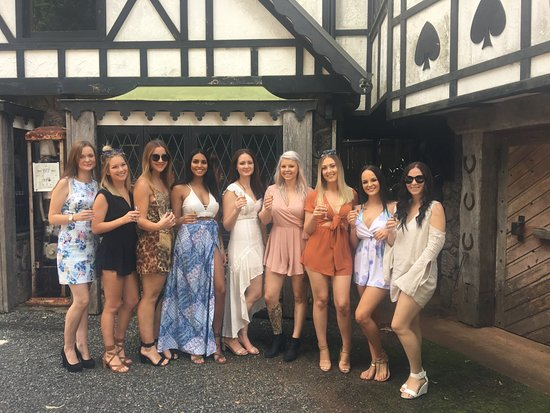 Tamborine Mountain, Australia: Hen's Day out at the Distillery
