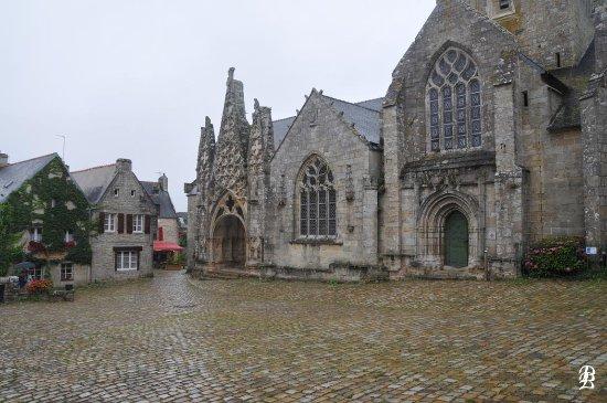 Pont-Croix, Γαλλία: Collégiale Notre-Dame de Roscudon. Histoire disponible sur la broche gratuite fournie à l'office