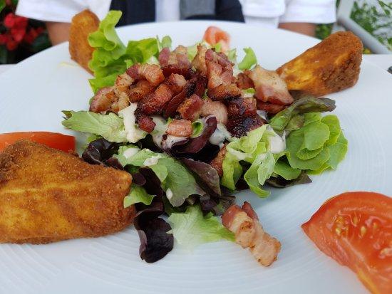 Margencel, Francia: entrée : salade au reblochon pané
