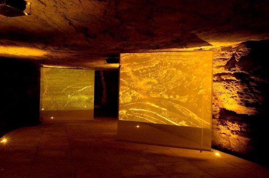 Museo de la Cueva del Castillo