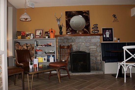 Dungarvan, Irlandia: 360 Fireplace