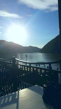 Schlogen, Oostenrijk: Blick von der Hotelterrasse auf die Donau.