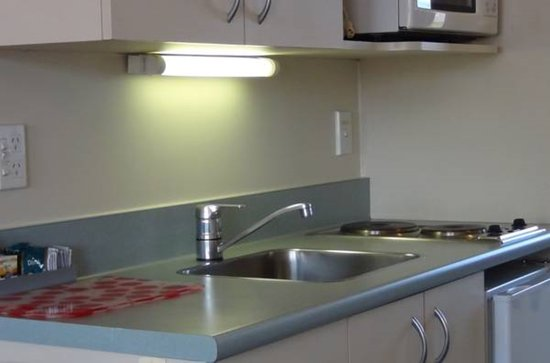 AAA Northlands Motel: Kitchen