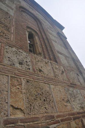 Gracanica, Kosovo: 石塊與紅磚構成美麗線條