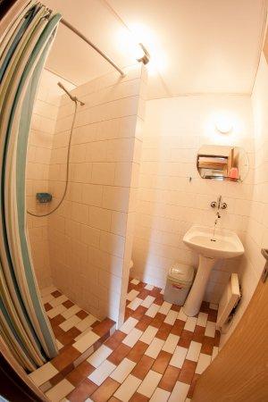 Bela Pod Pradedem, Czech Republic: Koupelna 2lůžkového pokoje