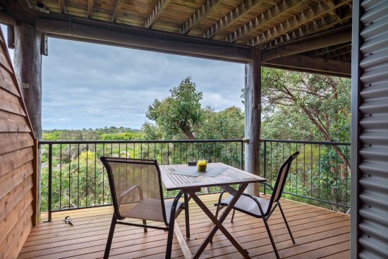 HideAway Haven: Tree Top Deck - enjoy the birds