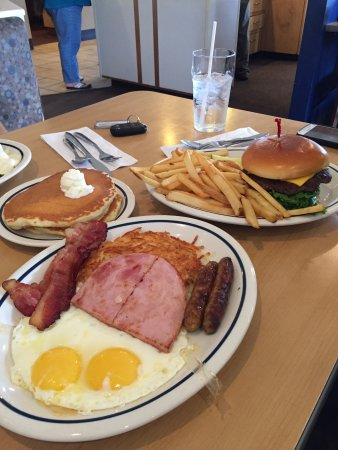Puyallup, WA: breakfast and lunch