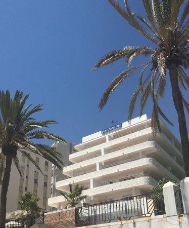 Lekker tapas eten bij sirocco onder purto azul picture of aparthotel puerto azul marbella - Aparthotel puerto azul marbella ...