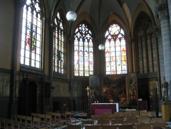 Saint Martin's Church: St Martin's church Kortrijk vista interna