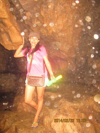 Talisay City, Philippines: dentro la grande caverna