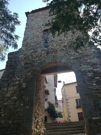 Laterina, Italy: Porta Fredda