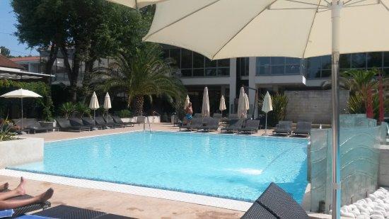 ميليا كورال: piscina piccola