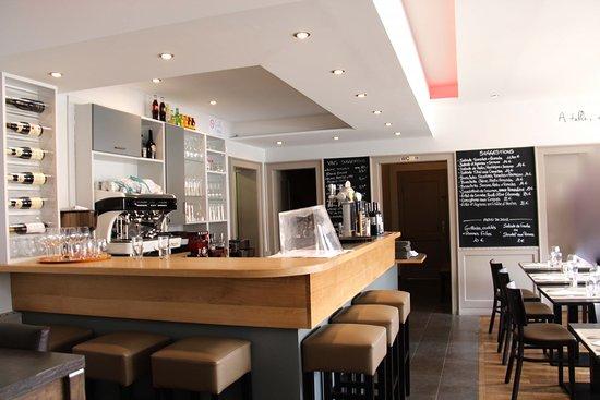 Hatten, France : salle de restaurant LE PETIT STAMM