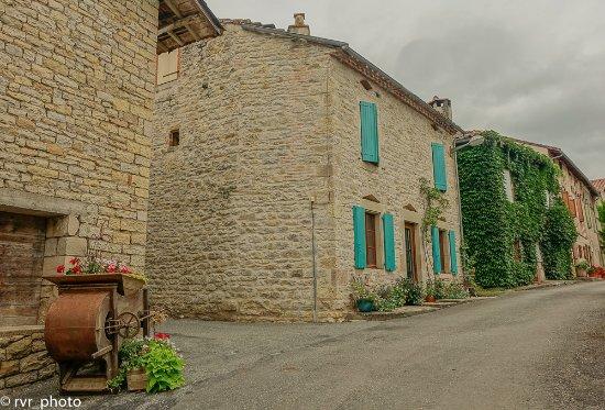 Feneyrols, Frankreich: Calles de la comuna