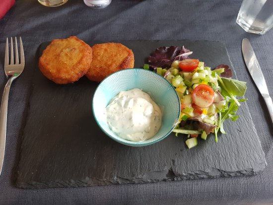 Rhosneigr, UK: Thai fishcakes. They were delicious without the Lemon & Coriander mayonnaise which I kept to eat