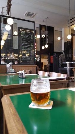 Superb bar and restaurant