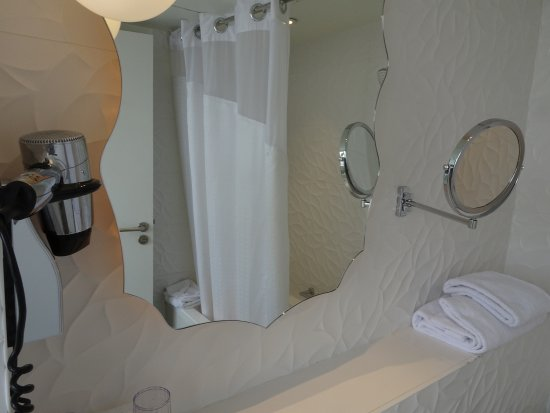Holiday Inn Paris Gare De L Est Bathroom Mirrors Together With Hairdryer