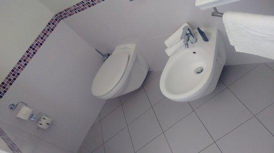 Bagno picture of aqua hotel rimini tripadvisor for Bagno 78 rimini
