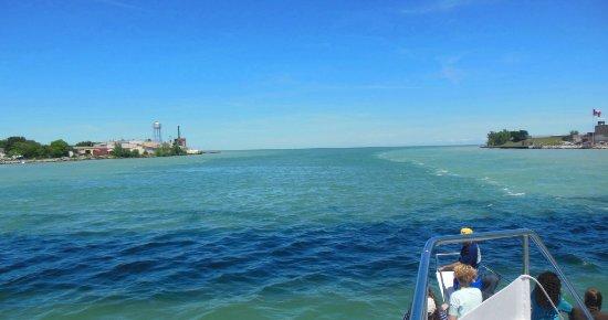 Port Huron, MI: Huron Lake into St Claire entrance