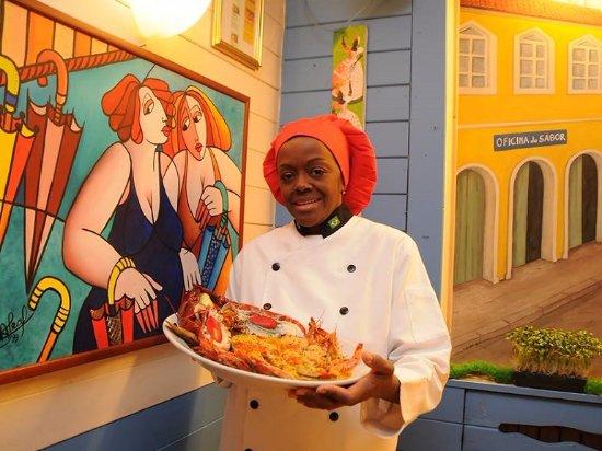 """Oficina do Sabor : La nostra top  chef Natalia Costa e una delle sue specialità brasiliane  di oesce  """" la mouqueca"""