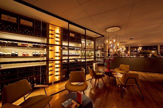 Αγκέν, Γαλλία: salle de restaurant de la Table de Michel Dussau