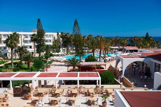 Louis Phaethon Beach - Restaurant (268852453)
