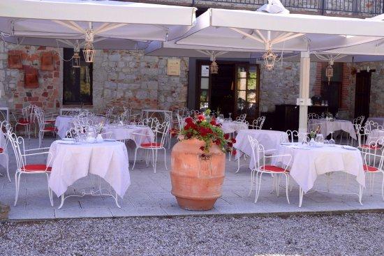 Tenuta di Ricavo: Summer Evening Dinner at La Pecora Nera