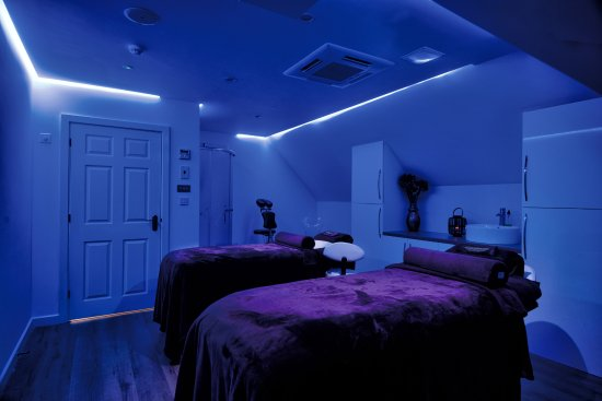 Borough Green, UK : Total relaxation in our tranquil spa with Decleor & Environ treatments