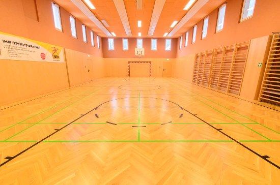 Die Sporthalle, direkt angeschlossen an das JUFA Hotel Altaussee