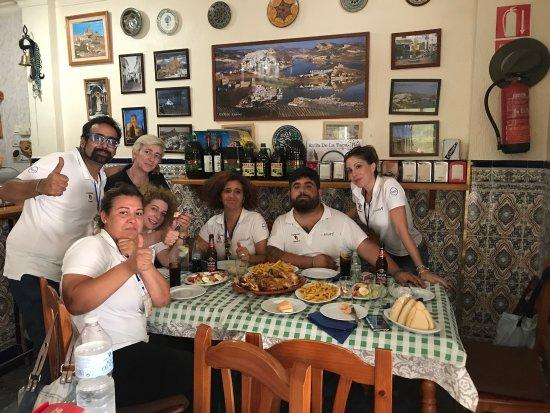 Iznajar, Spanien: Increíble la atención la sensación es como comer en casa gracias a chari y paco