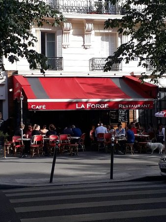 restaurant caf restaurant la forge dans paris avec cuisine fran aise. Black Bedroom Furniture Sets. Home Design Ideas