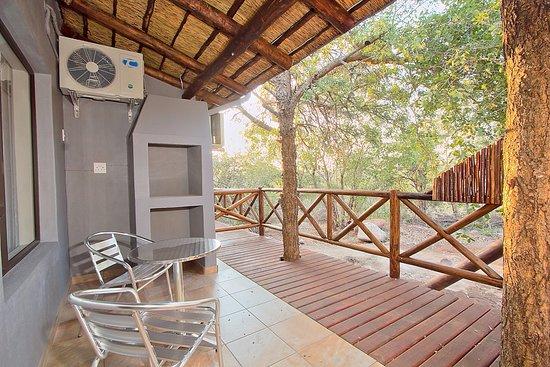 Marloth Park, Afrika Selatan: Luxury Lodge Room Exterior