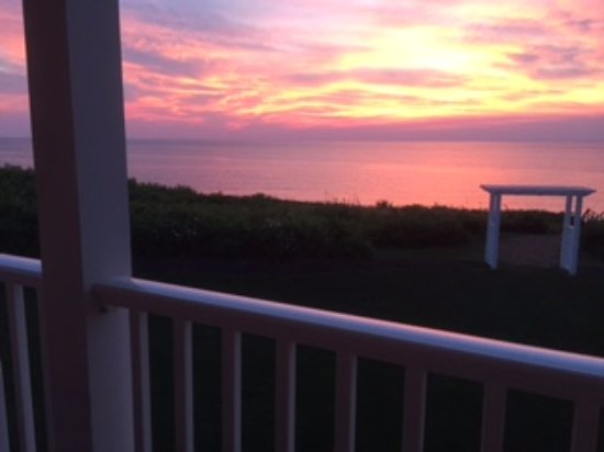 Cliffside Resort Condominiums: Sunset view from our deck