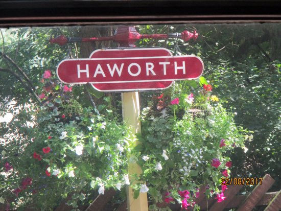 Haworth, UK: You can walk to the village from here