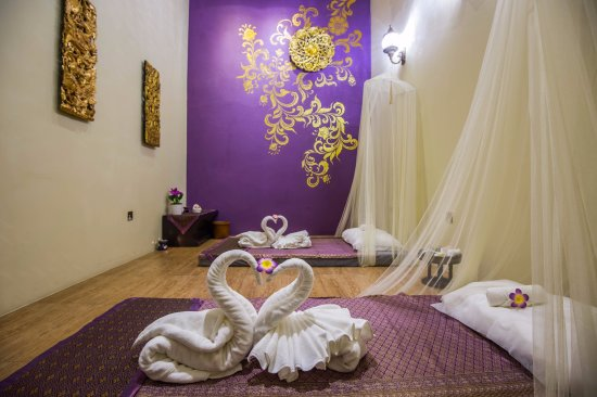 Airada Spa  purple and gold interior for the massage room. purple and gold interior for the massage room   Picture of Airada