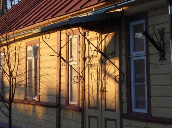 Vereinzelt Hubsche Holzhauschen Picture Of Haapsalu Old Town