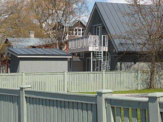 Haapsalu, Estonya: Hübsches Holzhaus am Väike Viik (2)