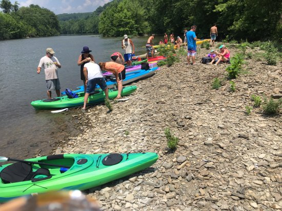 Raystown Lake : Stop for a lunch break on the river