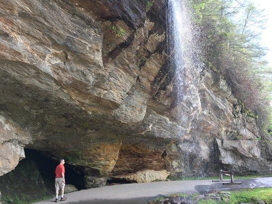 Bridal Veil Falls (Highlands, NC): Top Tips Before You Go