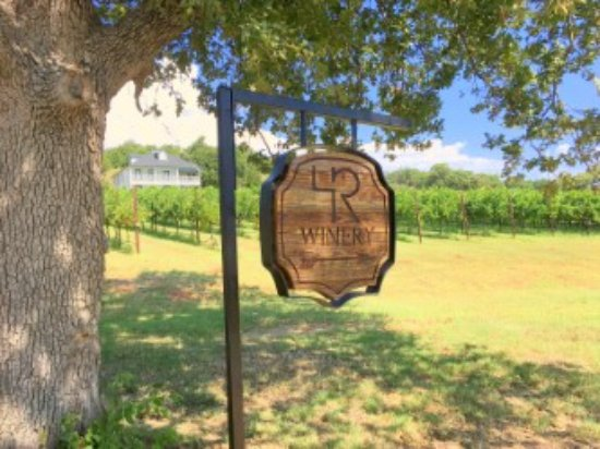 Muenster, TX: 4R's Tasting Room is located just up the road from here, on top of the ridge.