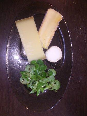 Sainte-Anne-d'Auray, France: Fromages