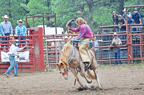 Magdalena, Nuevo Mexico: Visit the Luna Rodeo in July