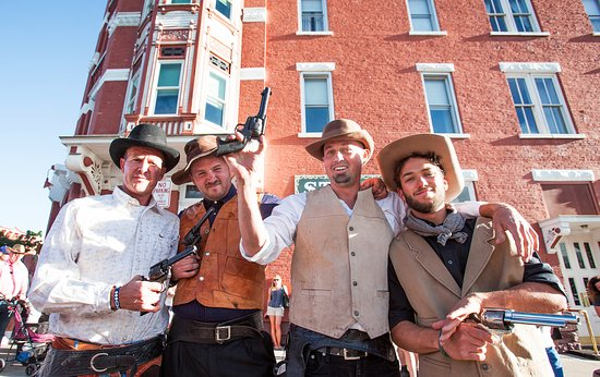 Strater Hotel: Old West Gunfights