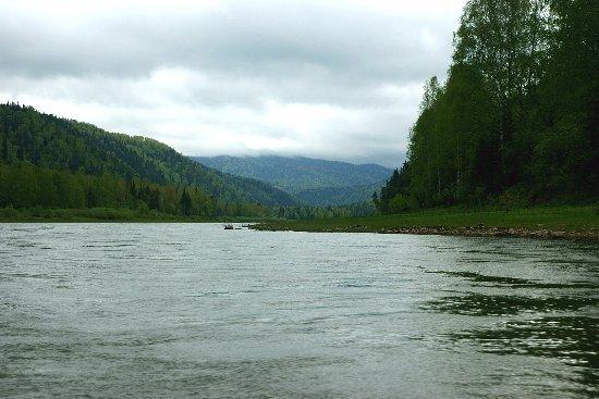 Myski, Rosja: река Мрасс-Су. отличная рыбалка.отличные сплавы,чистая вода..