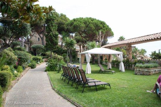 Hotel eden roc by brava hoteles sant feliu de guixols for Hoteles familiares cataluna