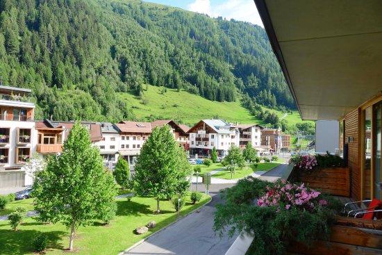 Skihotel Galzig: nach rechts
