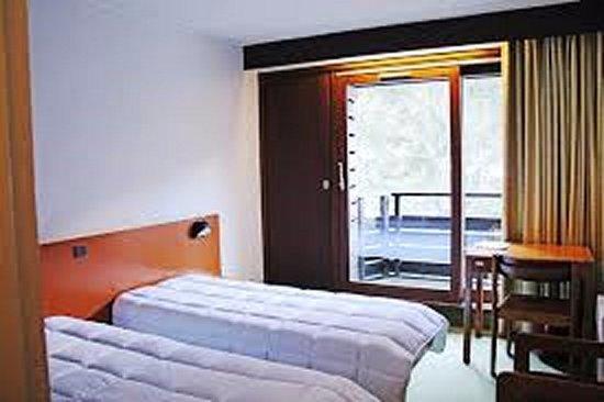 Village de vacances c v o de luz h tel luz saint sauveur - Hotel lyon chambre 4 personnes ...