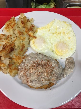 Itasca, IL: Country Fried Steak and Eggs
