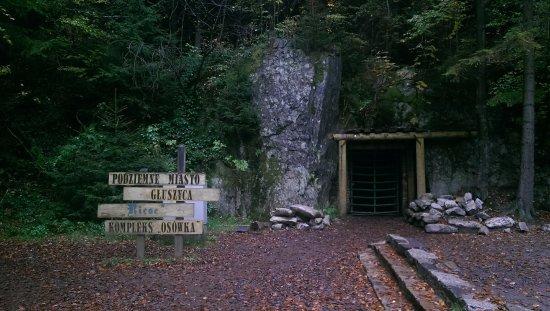 Podziemne Miasto Osówka: Wejście do podziemnego kompleksu